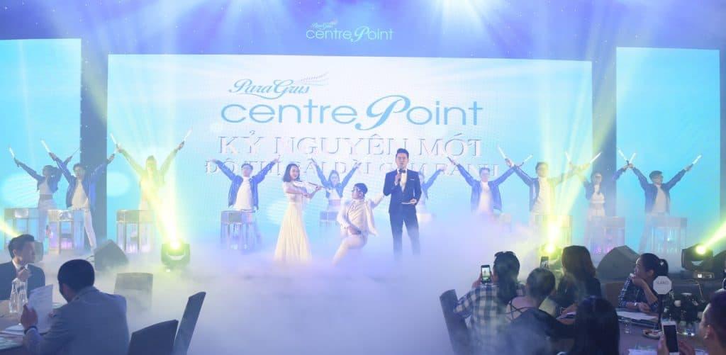 Hàng trăm khách hàng tham dự sự kiện giới thiệu Phố thương mại Para Grus Centre Point Cam Ranh