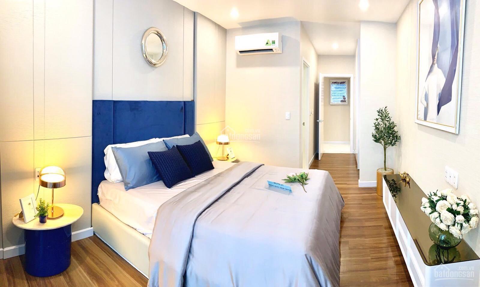 Ngay khi nhận bàn giao, khách hàng còn được tặng thêm máy lạnh Daikin cho tất cả các phòng trong nhà và máy nước nóng cao cấp.