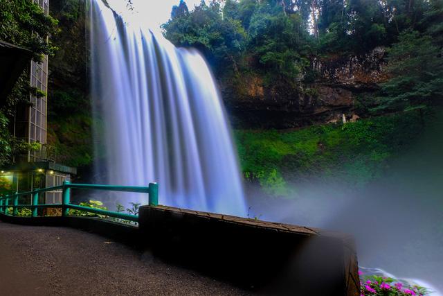 Bảo Lộc thu hút đầu tư nhờ tiềm năng kinh tế và du lịch - Ảnh 1.