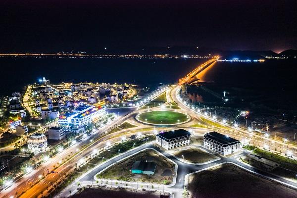 Triển vọng phát triển đô thị cảng biển và kinh tế đêm tại Quy Nhơn